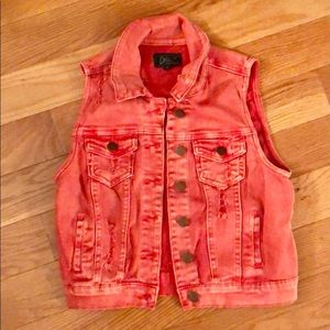NWOT. DISTRESSED DENIM VEST, SIZE: S